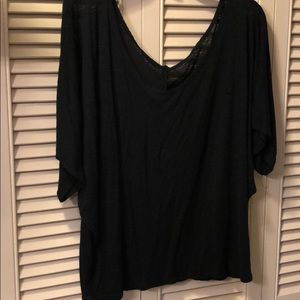 Simple black top no rips or stains in size 1XL
